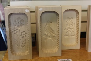 Butter molds...why doesn't out butter some this pretty?