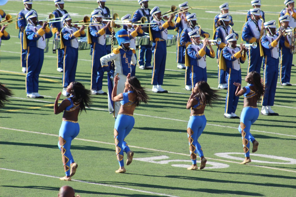 Next was the Albany State College Marching band. Their dancers were great and it was the long time dream of the band director to take his group to the parade