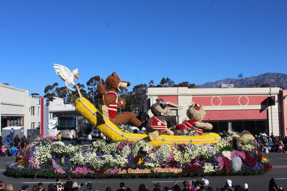 This float was built by one of the Tournament Associations and won best animation. Was very well done. The volunteers pick the best design