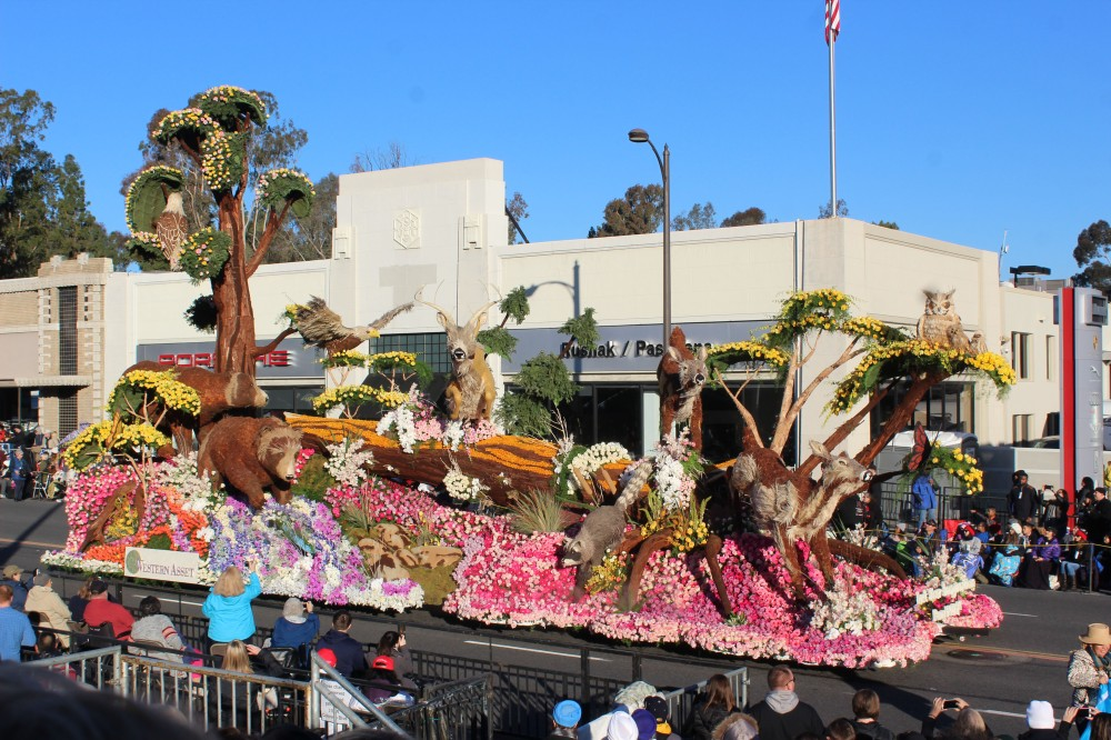 And here it is my favorite float. The craftsman award winner