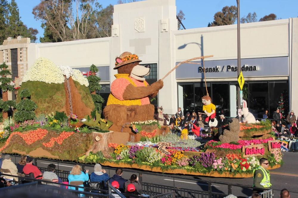 This Fishing Follies float from Pasadena won the National award