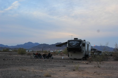 First Quartzsite campfire next to Pam and Red's rig