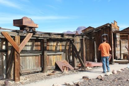 the outer edge had a mine cart