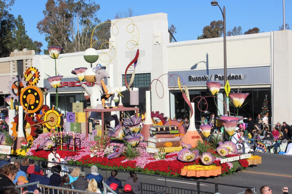 The City of Irvine float was ok. Had some nice animation and pretty impressive on a city budget