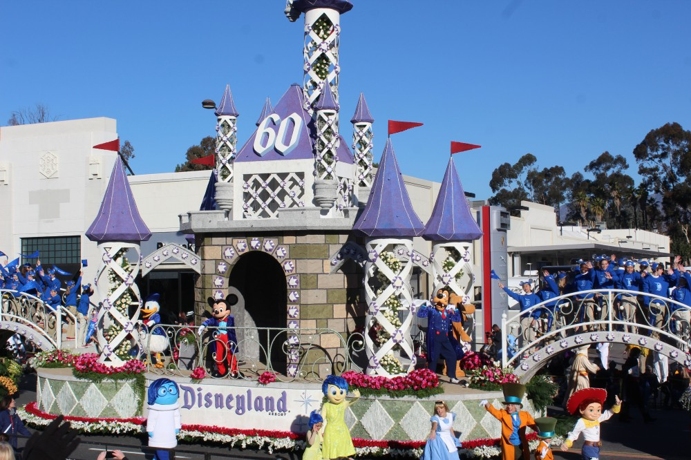 The Disney float was of course amazing and very crowded at the Parade of Floats exhibit