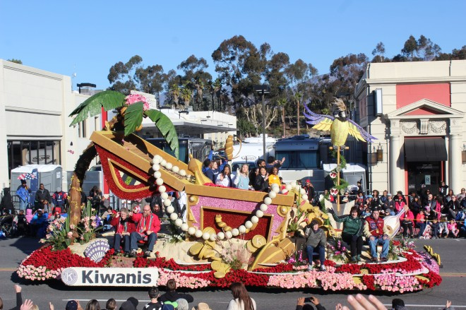 The Kiwanis float was another little float with a lot going on