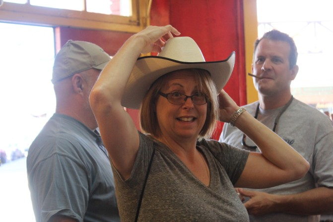 And Kelly was getting her cowboy hat on!!