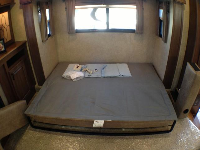 LR-Model-Bed