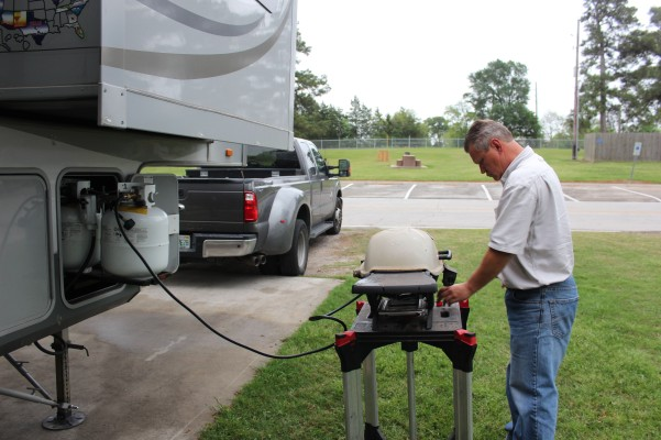 Lee finally figured out how to hookup our grill up to our rig propane so no more little bottles...hooray!