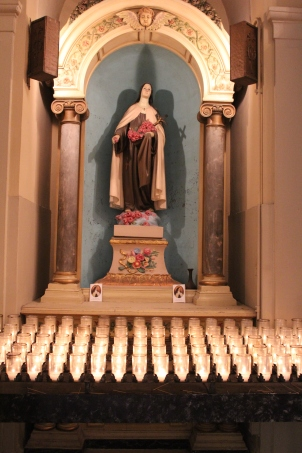 Beautiful statue of Mary