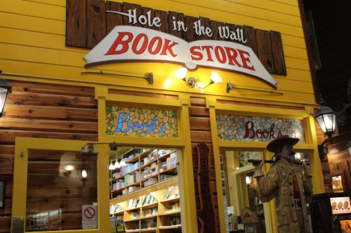 Oh and did I mention a really HUGE Wild West bookstore. Lee enjoyed that