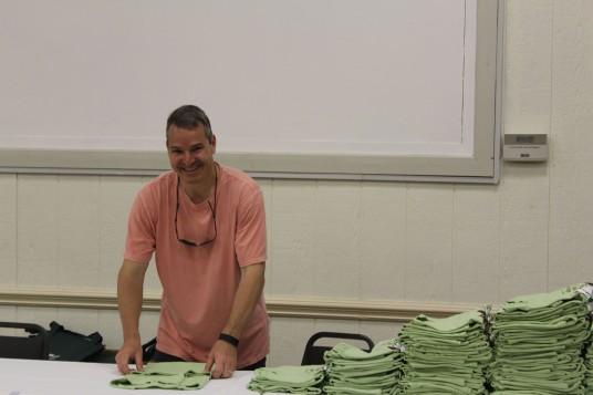 Folding T-Shirts